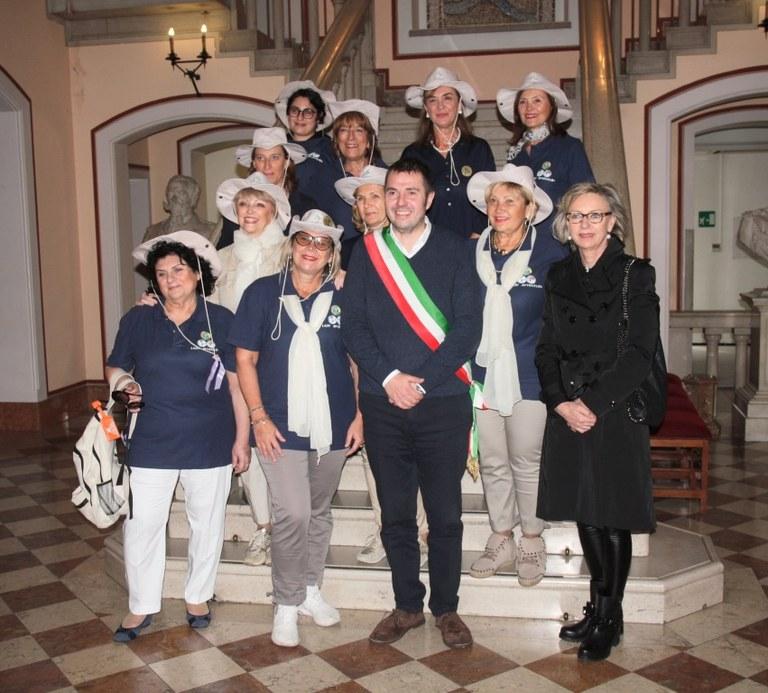 Foto  Il Gruppo ricevuto in Municipio