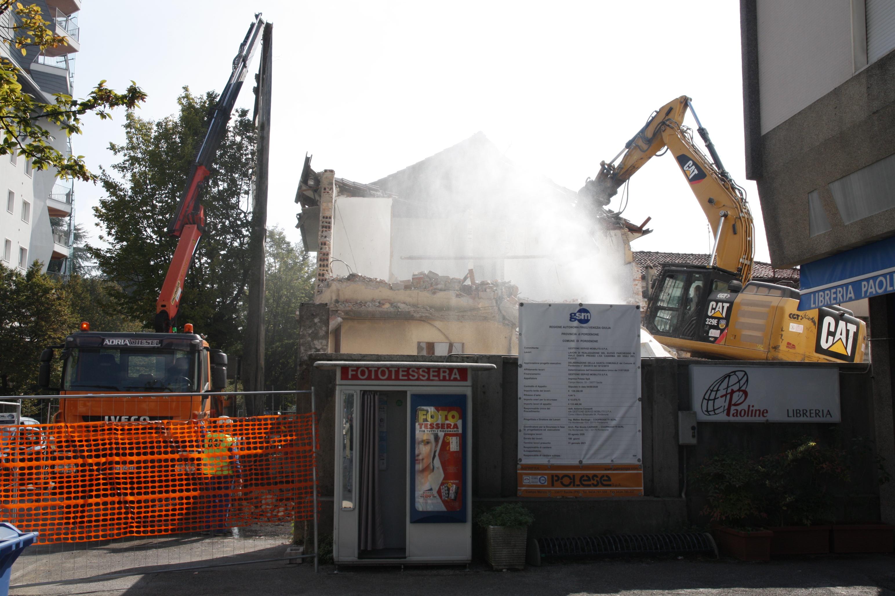 Park Via Dante demol 015.JPG