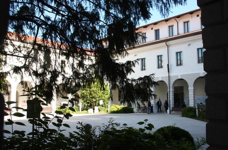 Chiostro della Biblioteca civica