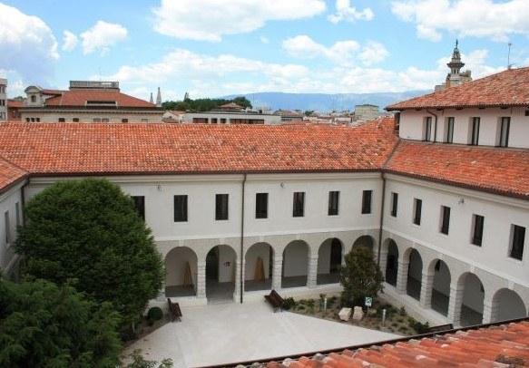 Biblioteca IMG_9856.jpg