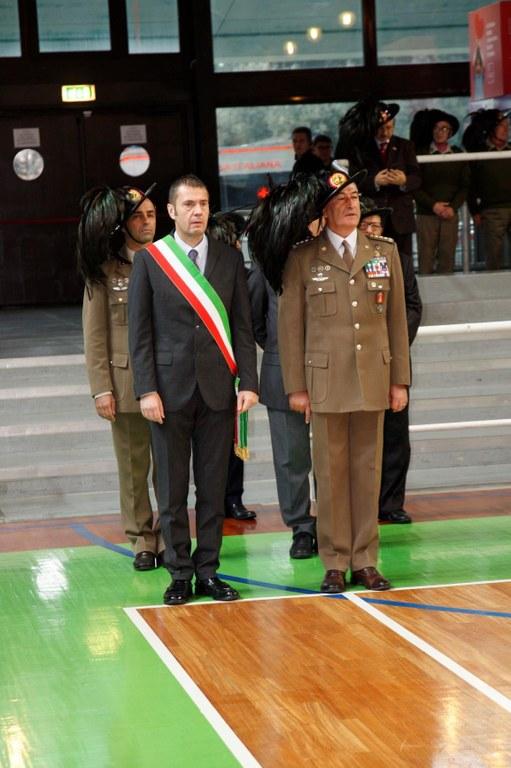 Bersaglieri Alzabandiera e cittadinanza3 032.JPG