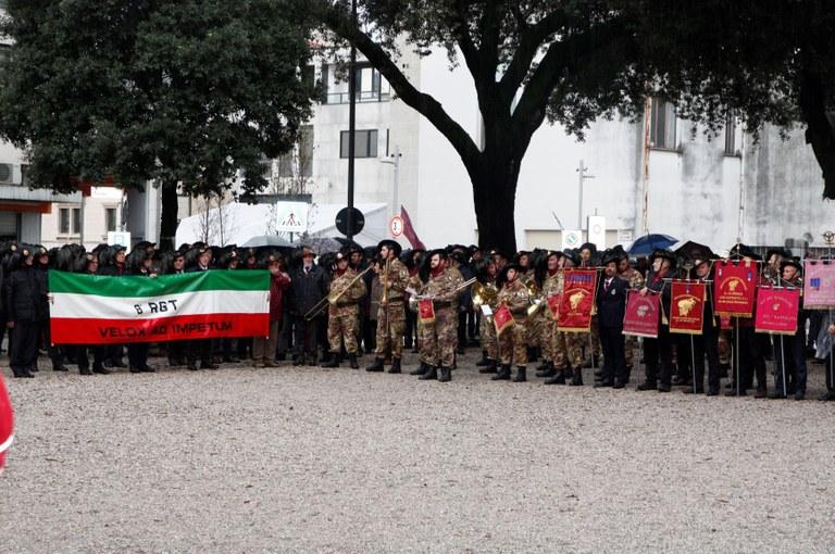 Bersaglieri Alzabandiera e cittadinanza4015.JPG