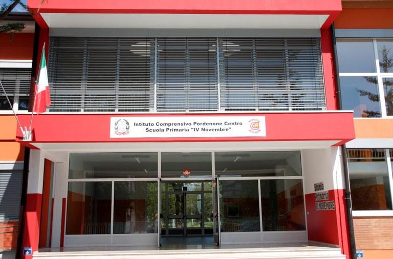 Scuola IV Novembre F117.jpg