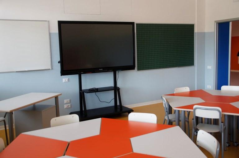 Scuola IV NovembreL 081.JPG