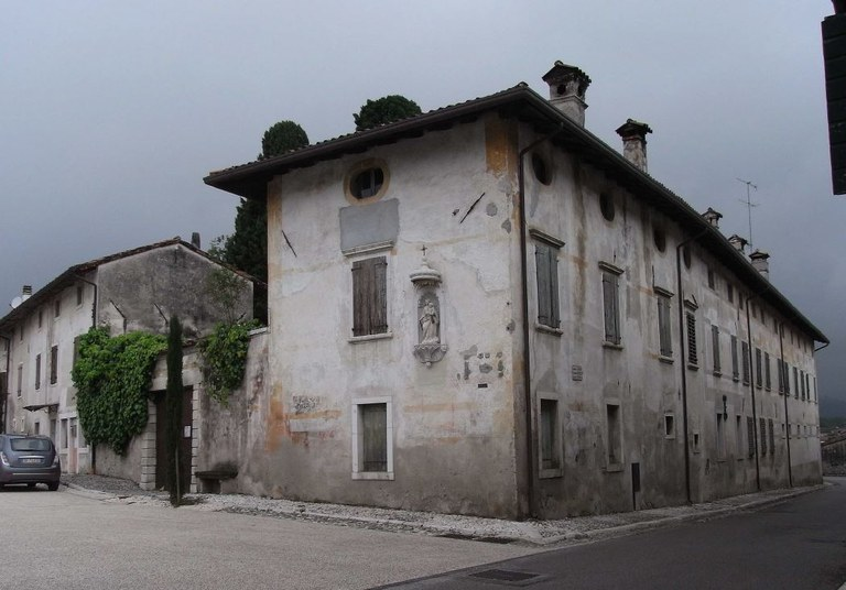 Aviano Casa Zanussi Fabris.JPG