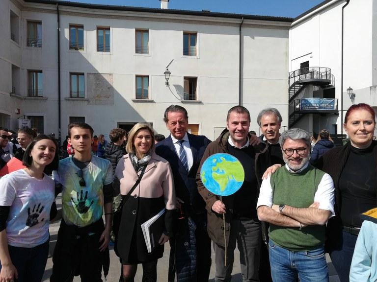 ciriani_scoccimarro_studenti_scipero_clima.jpg