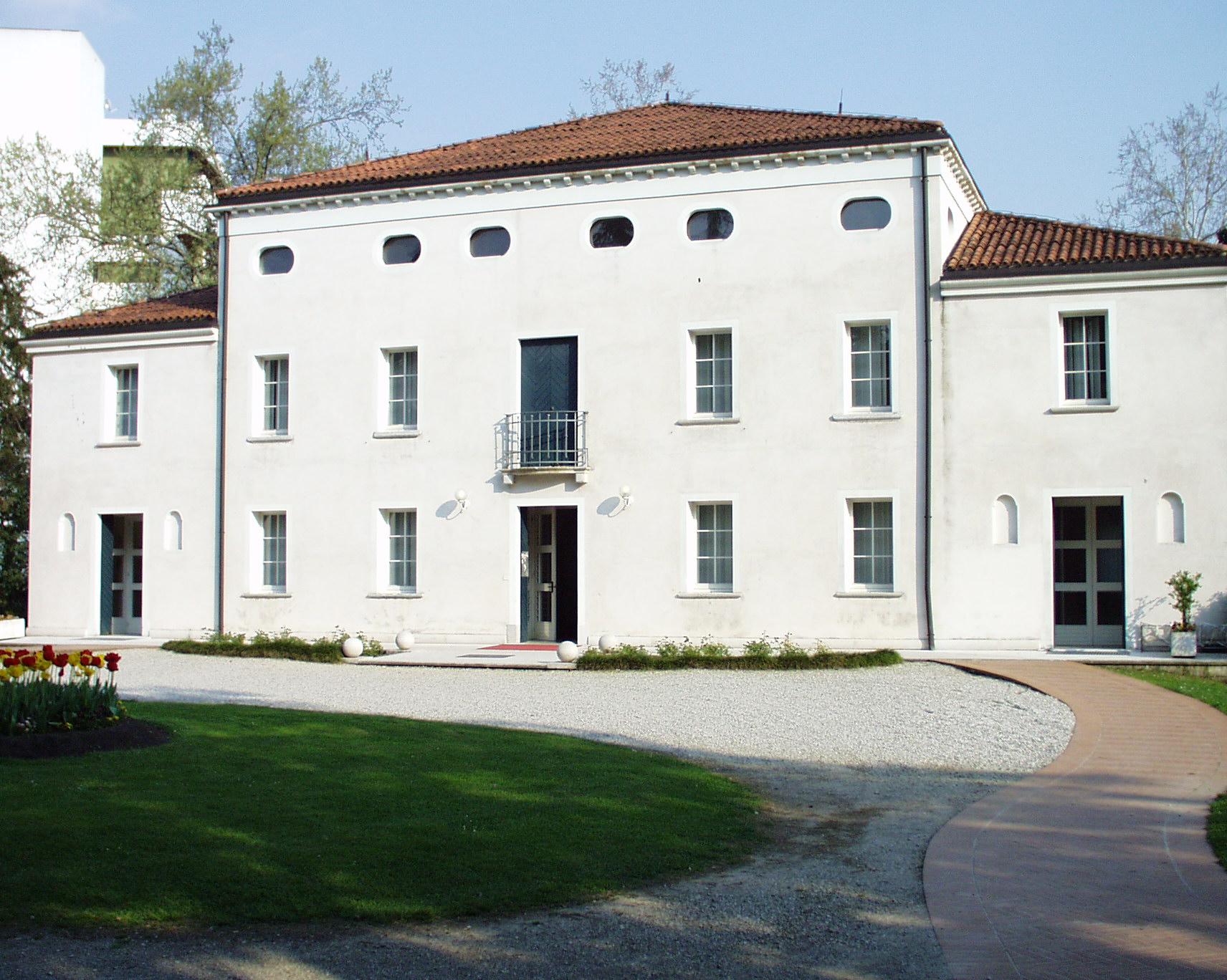Villa Galani sede per mostre temporanee.JPG
