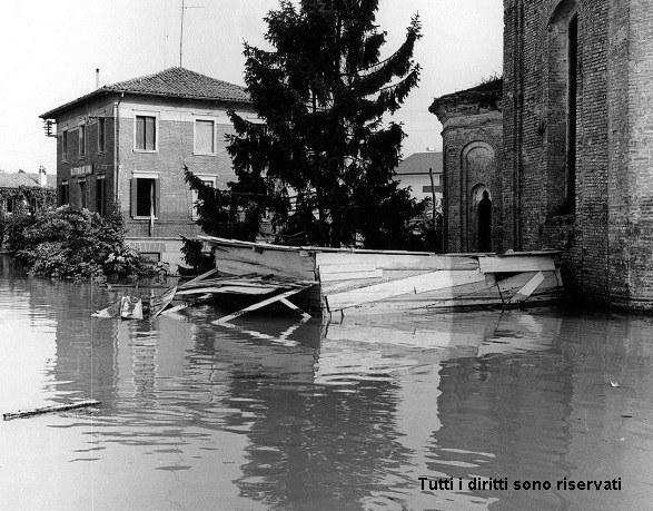 Chiesa della Santissima Trinità - Alluvione del 1966