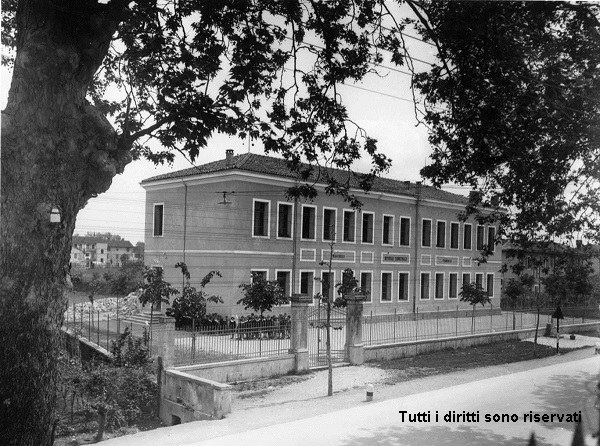 Le scuole elementari di Borgo Meduna - anni '40