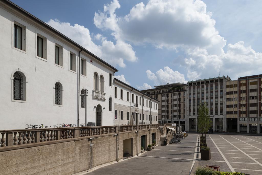 Biblioteca - piazza XX Settembre