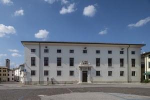 Foto del Palazzo del Monte dei Pegni, in piazza della Motta
