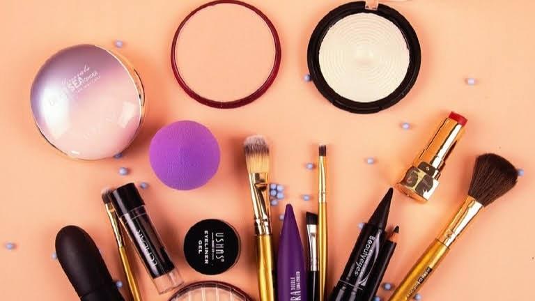 makeup-16-9.jpeg