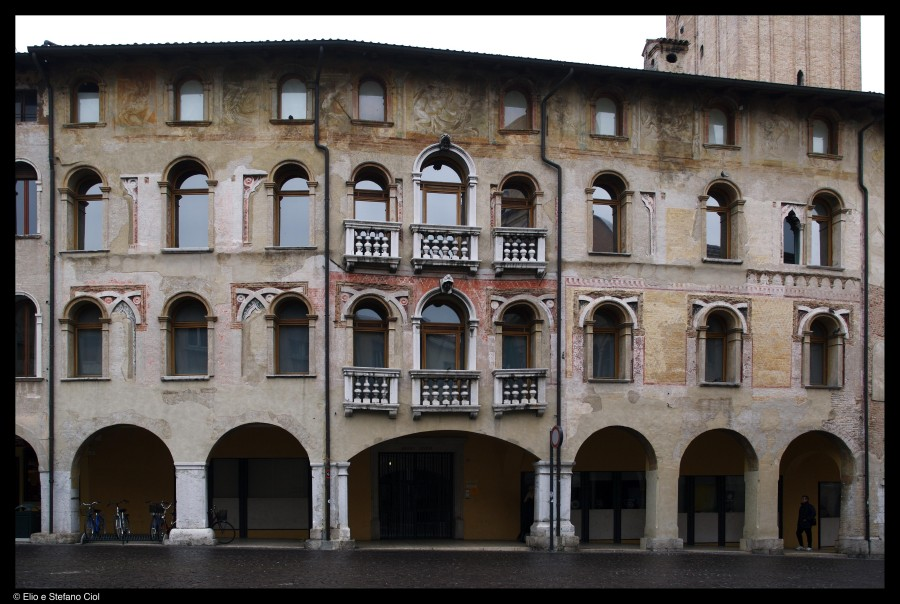 Facciata di Palazzo Ricchieri
