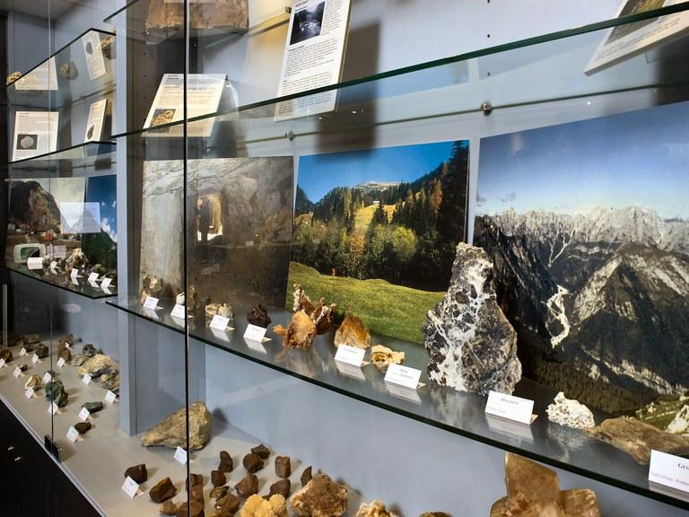 Sala Mineralogia (piano terra)